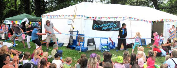 Kids entertainer for festivals and events